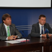 Preses konferencē ar Ministru prezidentu Valdi Dombrovski par aktualitātēm ekonomikā Thumbnail